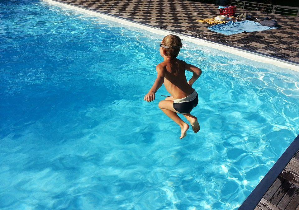 Una nuotata di qualità: i consigli per costruire la vostra piscina e mantenerla in perfetto stato